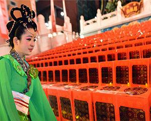 春節(しゅんせつ)元宵節燈籠祭